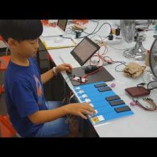 | Makey Makey Kit | Scratch | Makey Makey HID Board | Playing Fruit, Jukebox, Instruments |